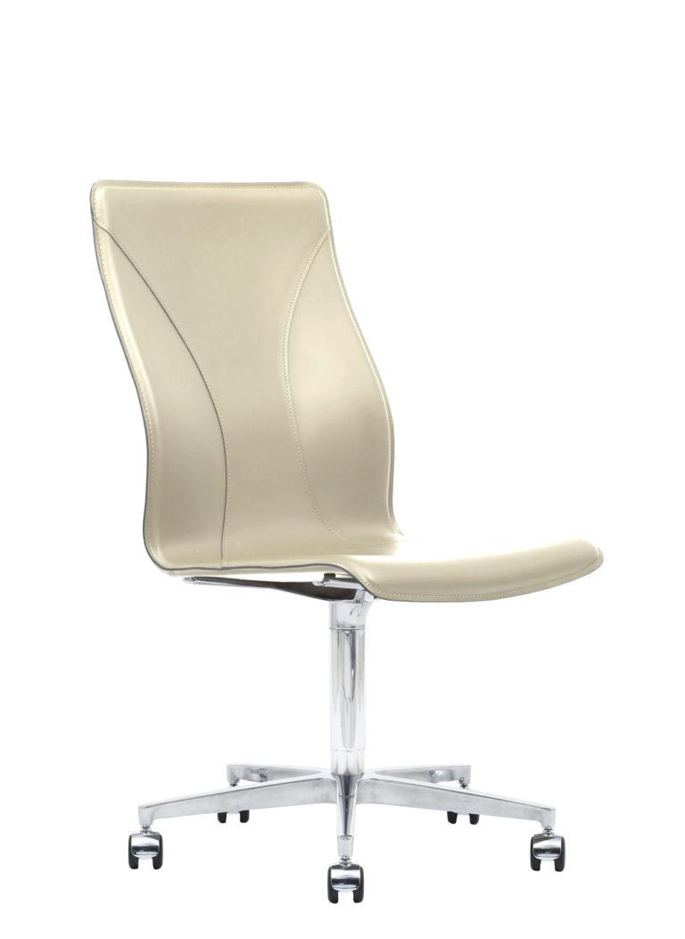BB641.14 Chair - Cream