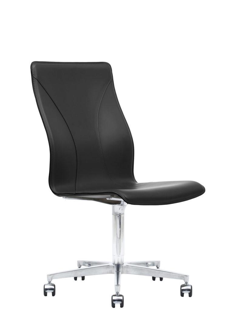 BB641.14 Chair - Black