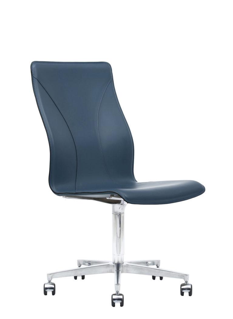 BB641.14 Chair - Sapphire
