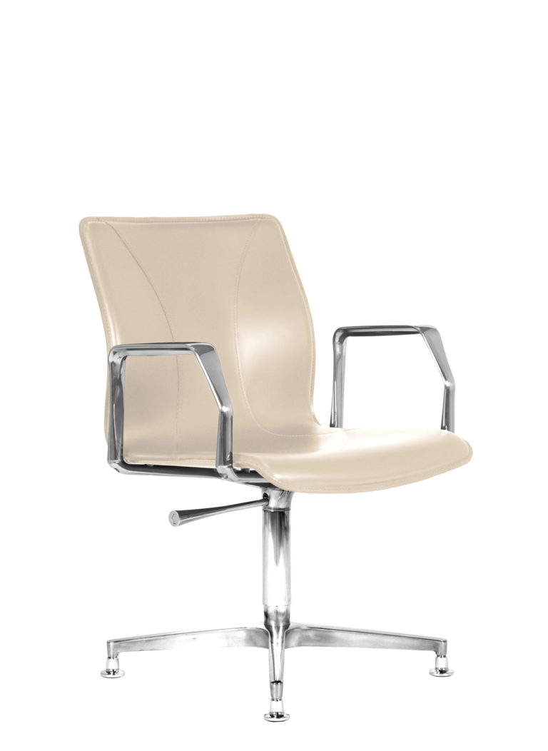 BB641.10 Chair - Cream