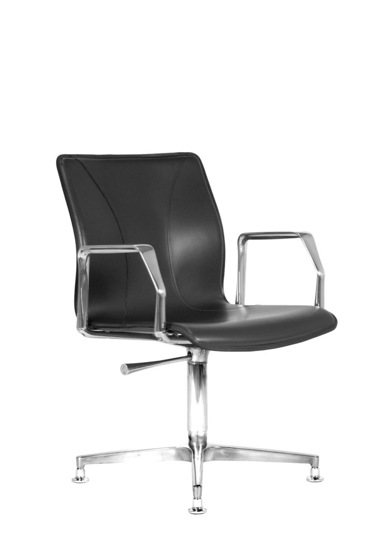 BB641.10 Chair - Black