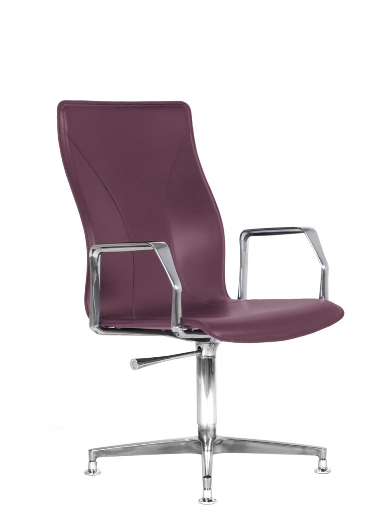 BB641.11 Chair - Amaranth
