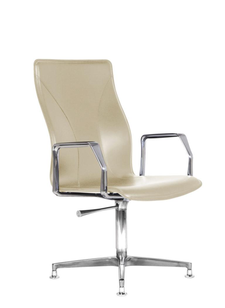 BB641.11 Chair - Cream