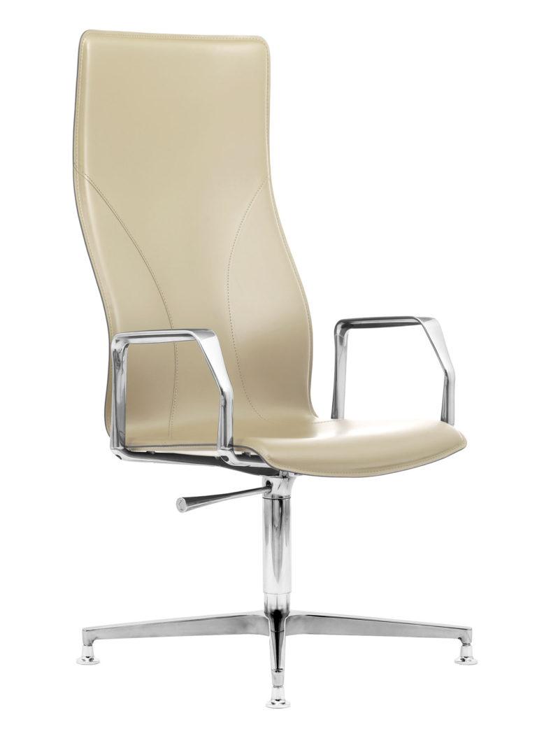 BB641.12 Chair - Cream