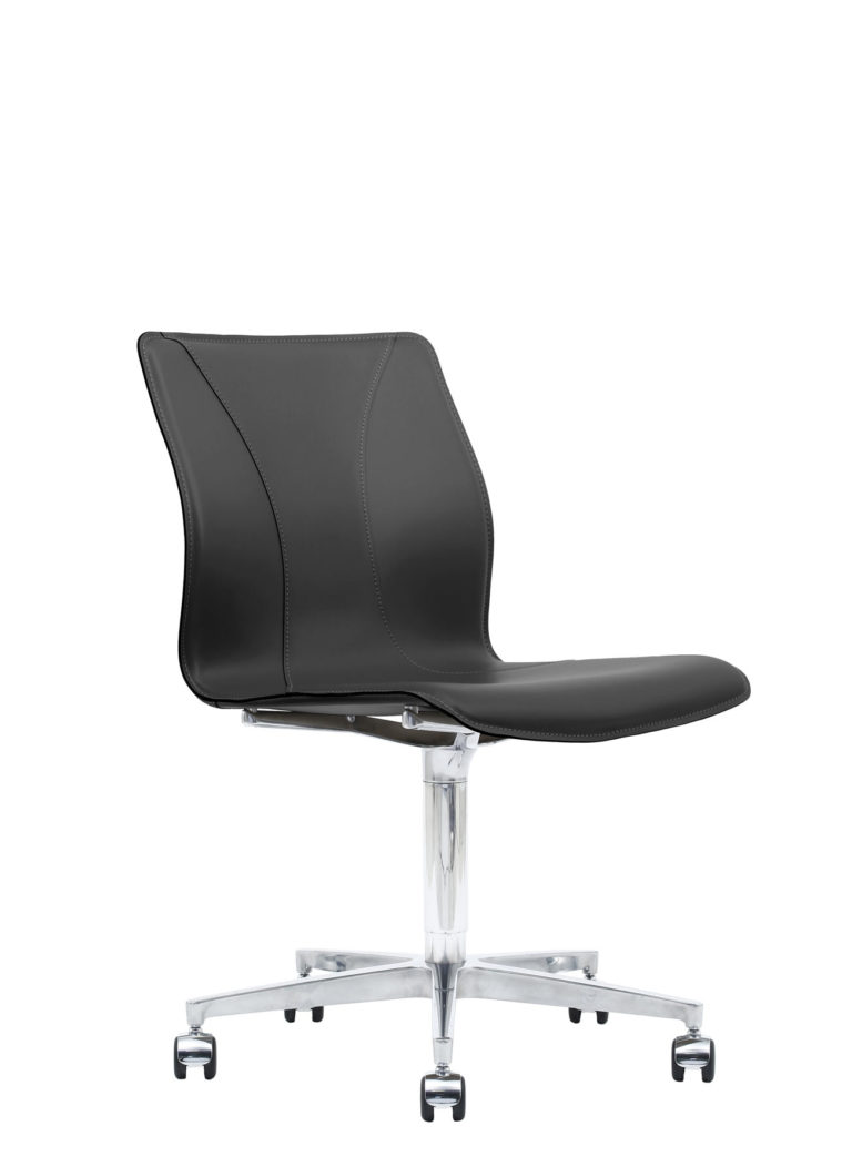 BB641.13 Chair - Black