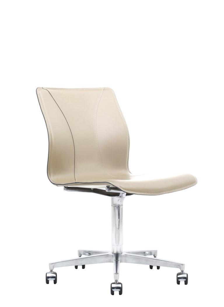 BB641.13 Chair - Cream