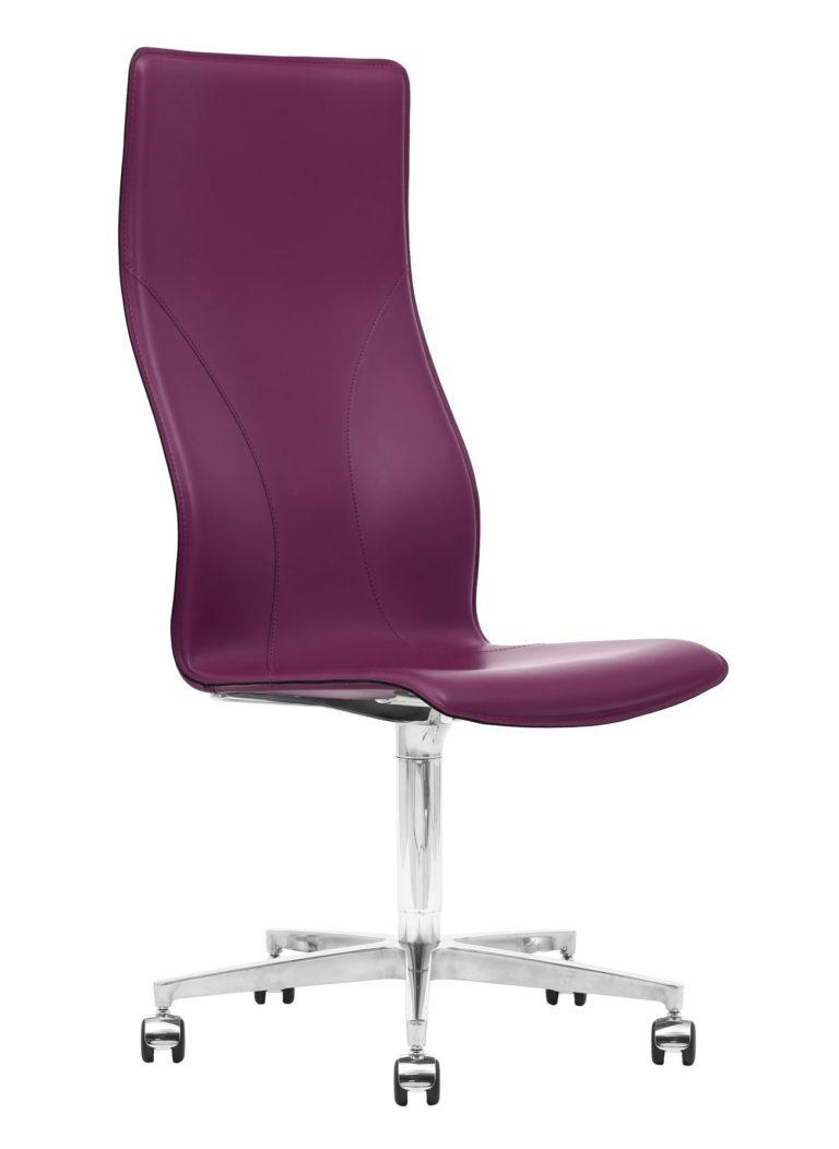 BB641.15 Chair - Amaranth