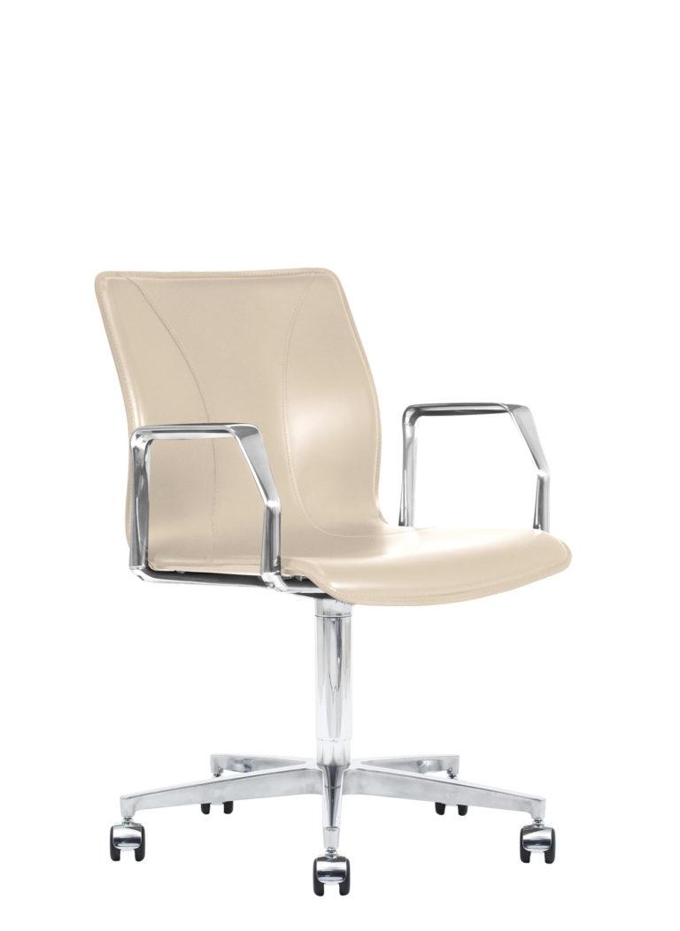 BB641.16 Chair - Cream