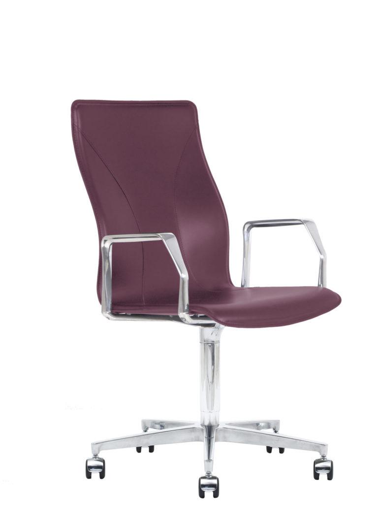 BB641.17 Chair - Amaranth