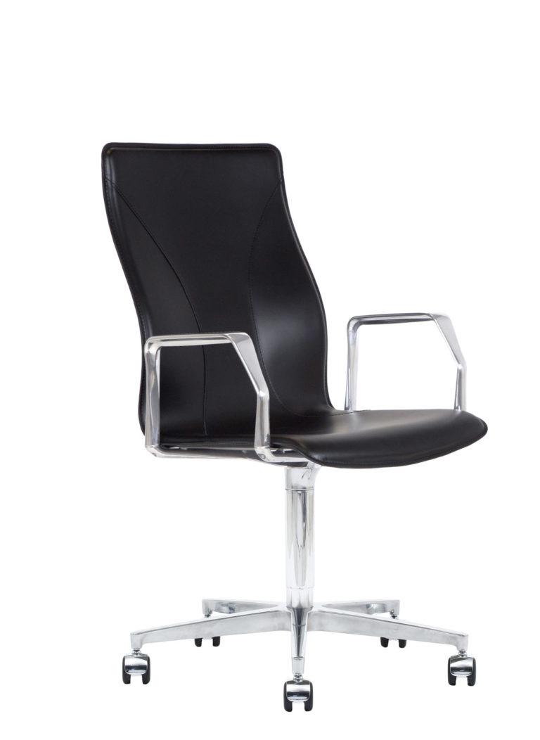 BB641.17 Chair - Black