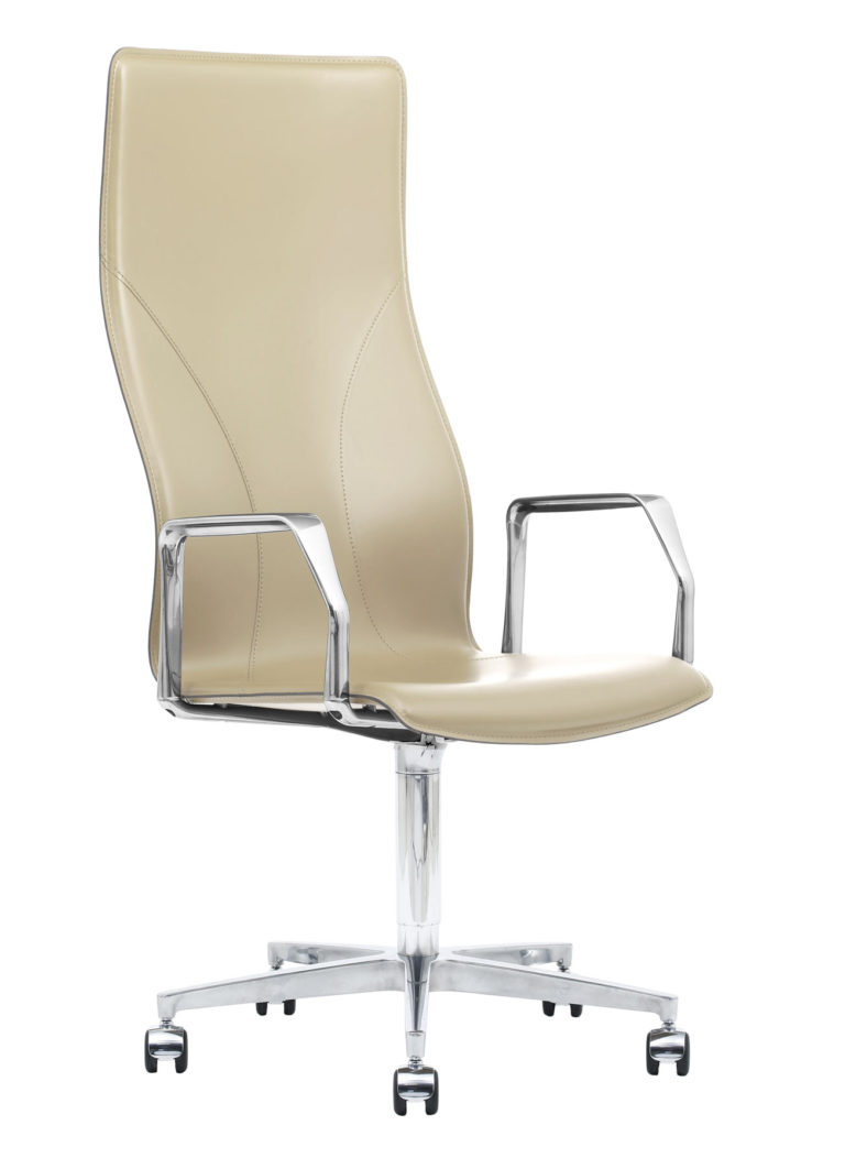 BB641.18 Chair - Cream