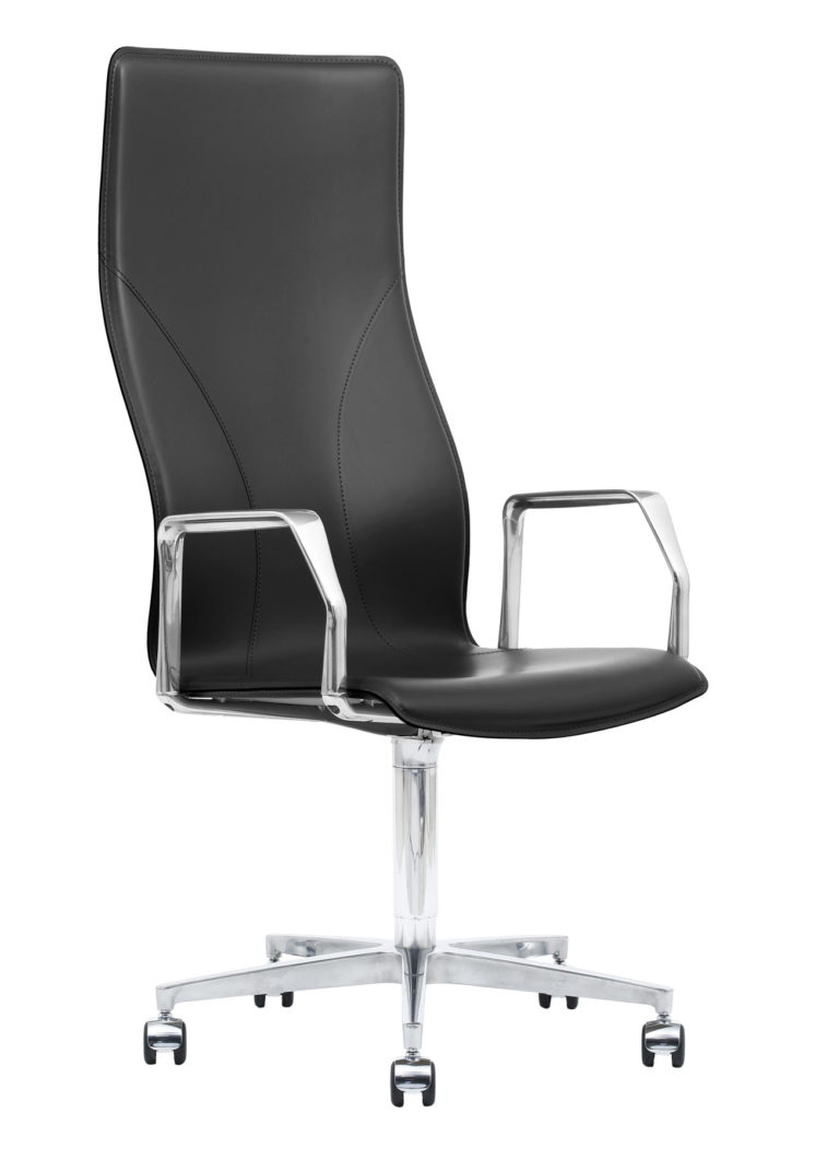 BB641.18 Chair - Black