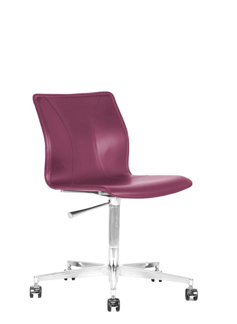 BB641.19 Chair - Amaranth
