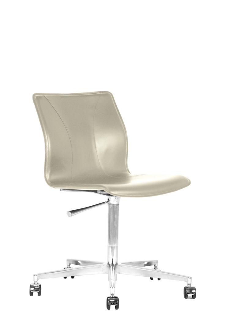 BB641.19 Chair - Cream