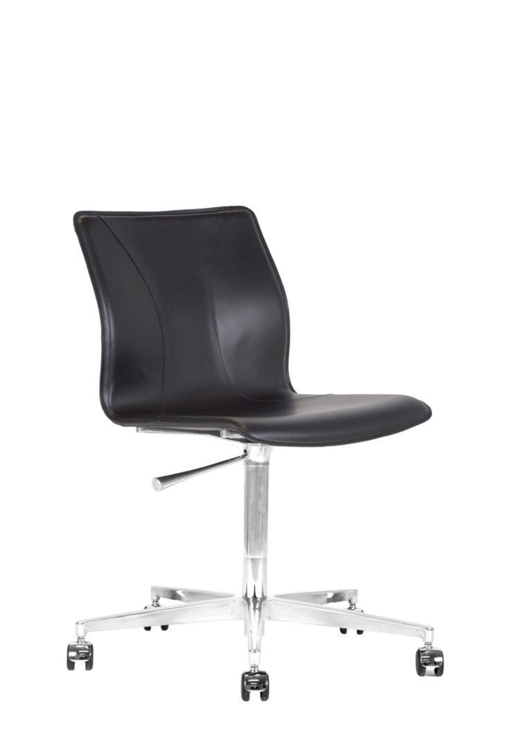 BB641.19 Chair - Black