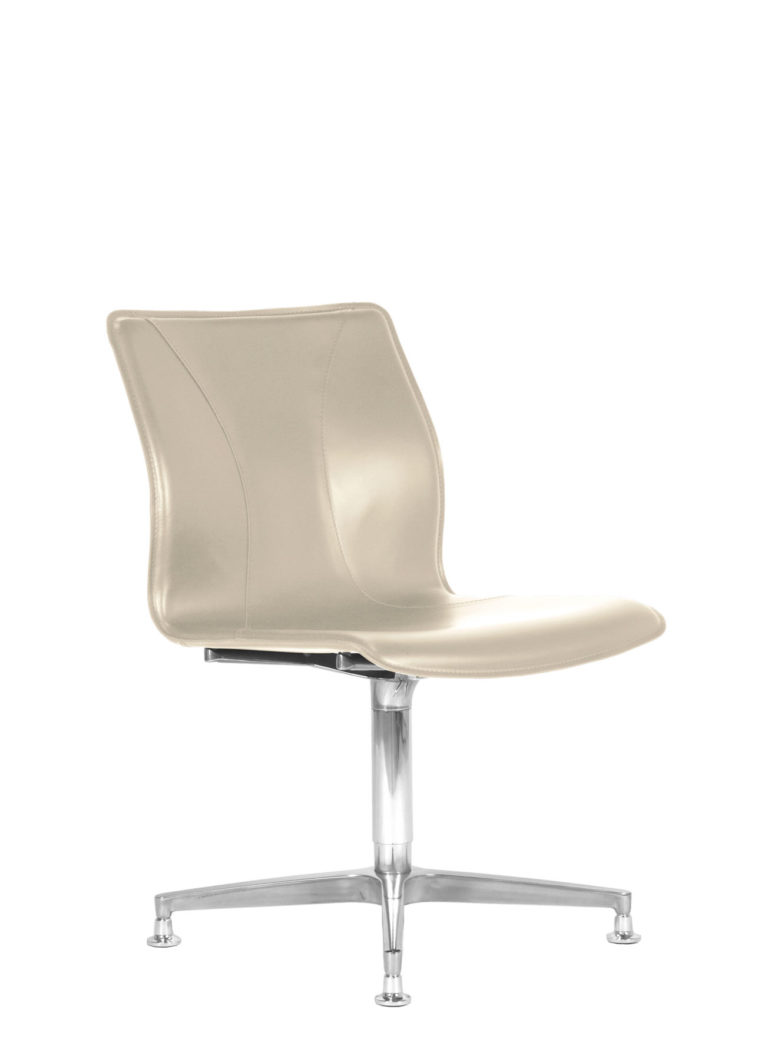 BB641.1 Chair - Cream