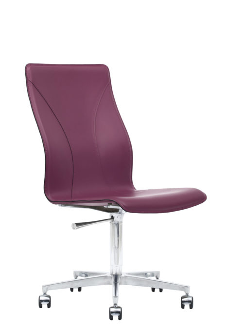 BB641.20 Chair - Amaranth