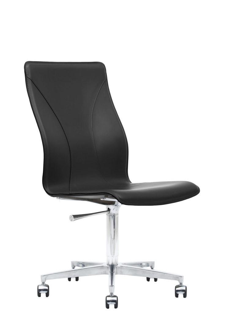 BB641.20 Chair - Black