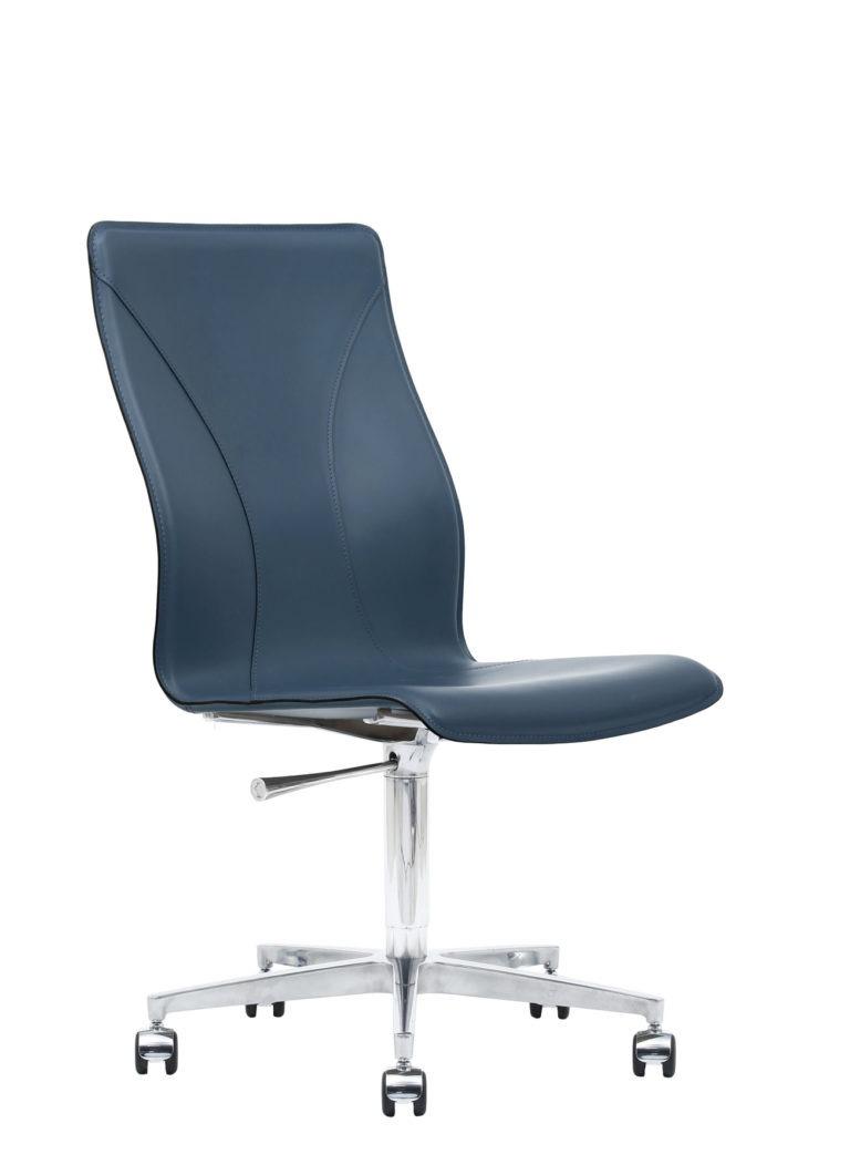 BB641.20 Chair - Sapphire
