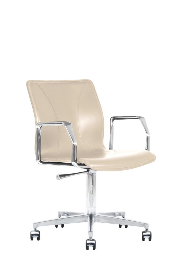 BB641.22 Chair - Cream