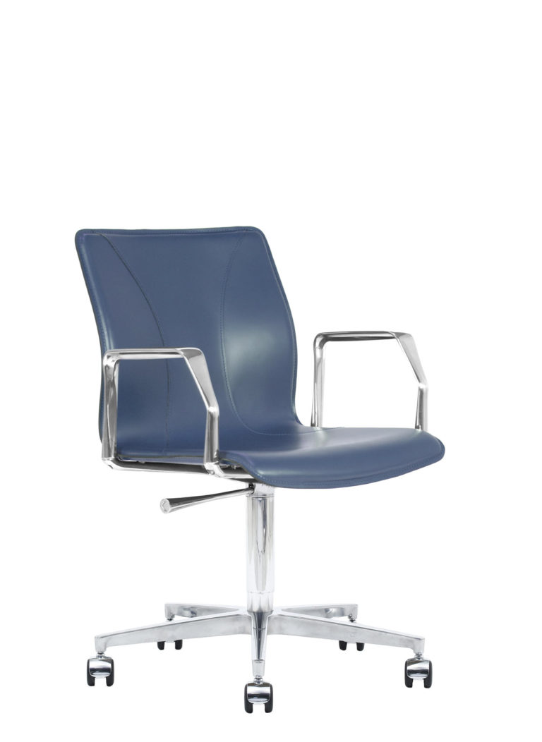 BB641.22 Chair - Sapphire