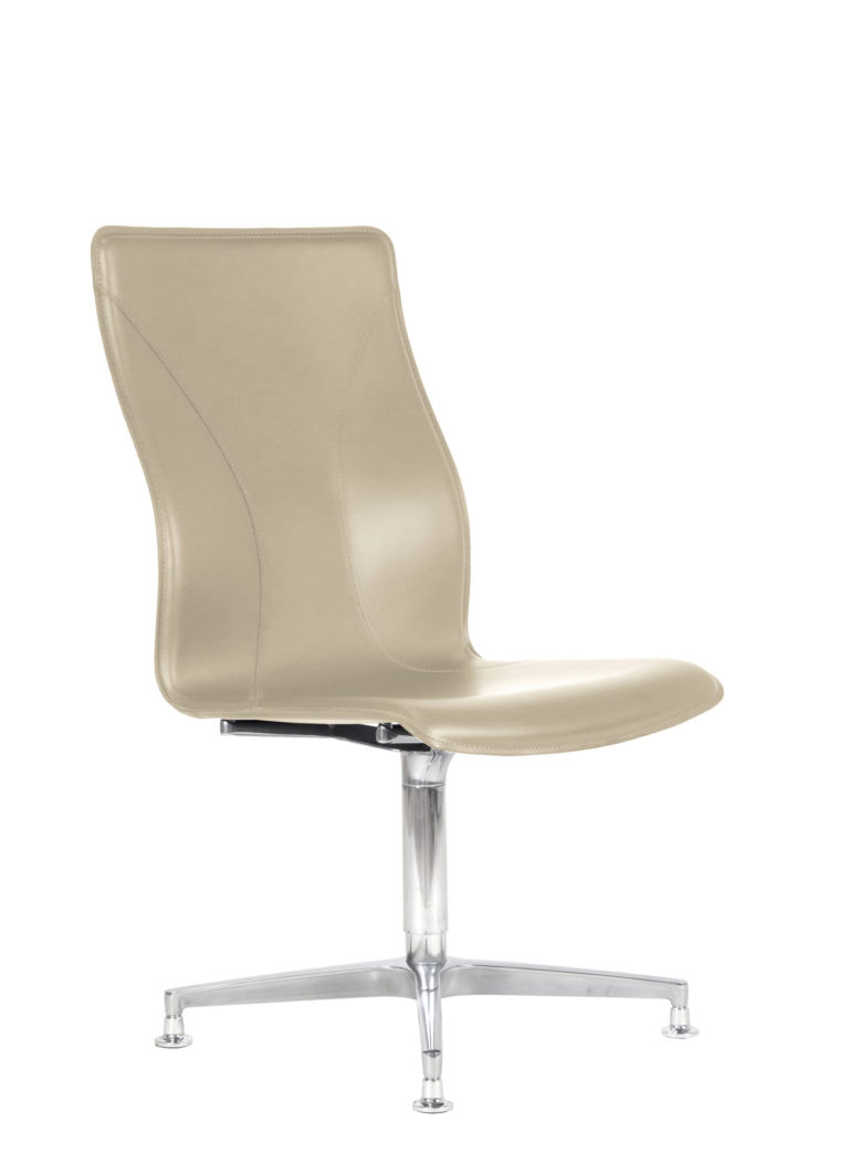 BB641.2 Chair - Cream