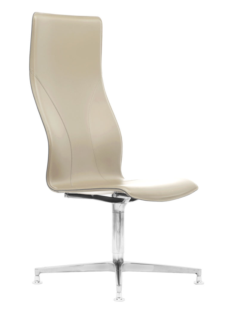 BB641.3 Chair - Cream