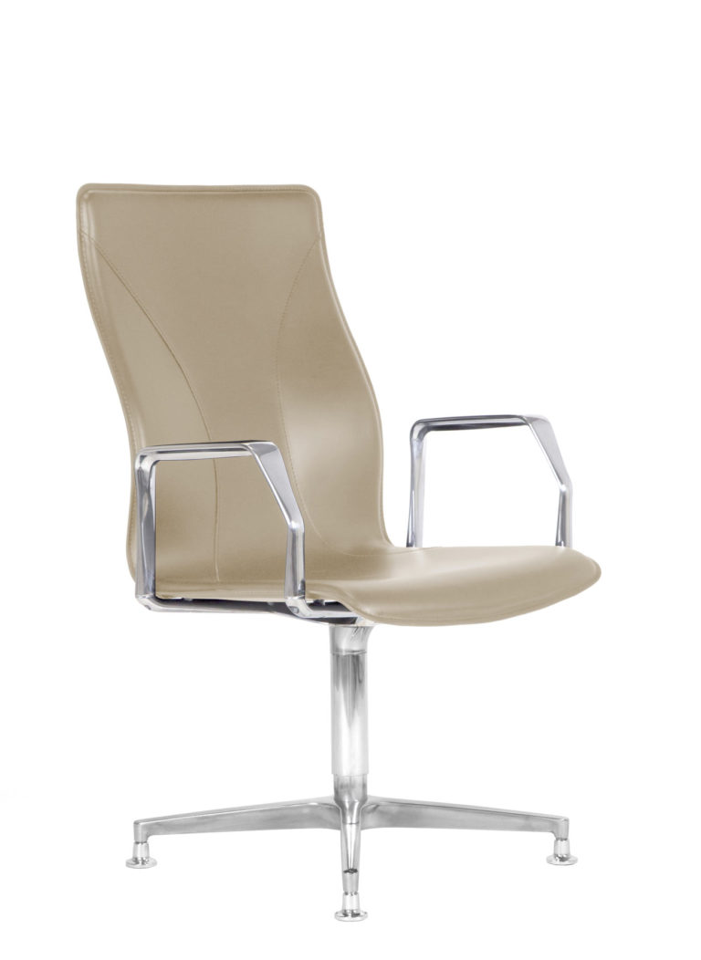 BB641.5 Chair - Cream