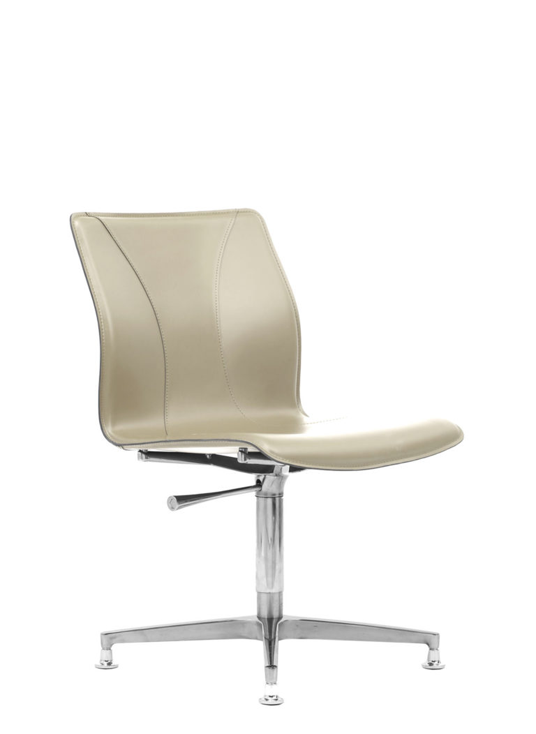 BB641.7 Chair - Cream