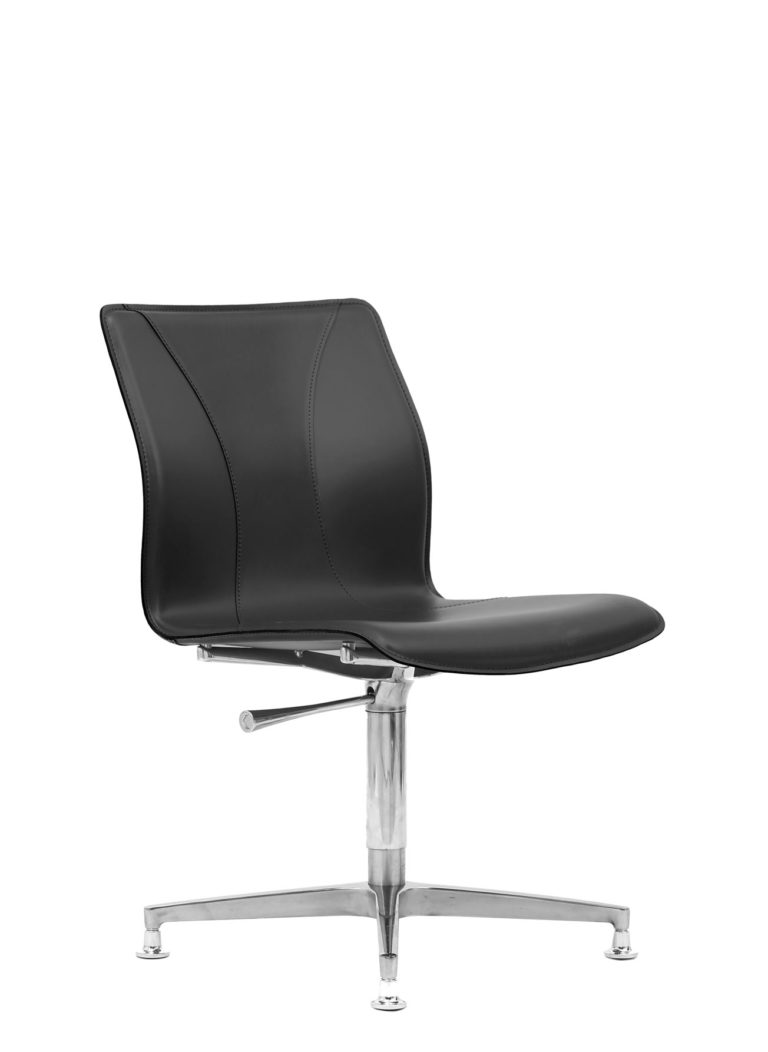 BB641.7 Chair - Black