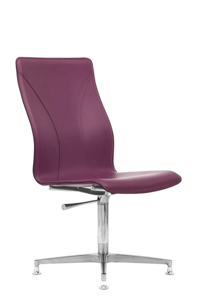 BB641.8 Chair - Amaranth