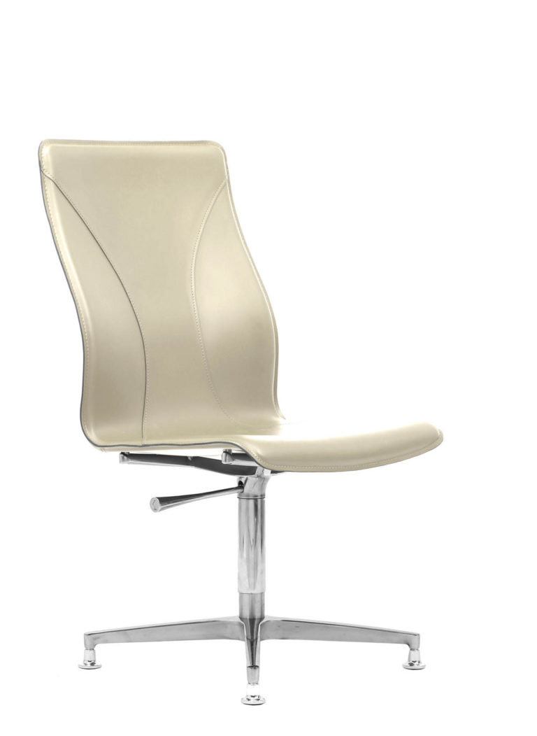 BB641.8 Chair - Cream