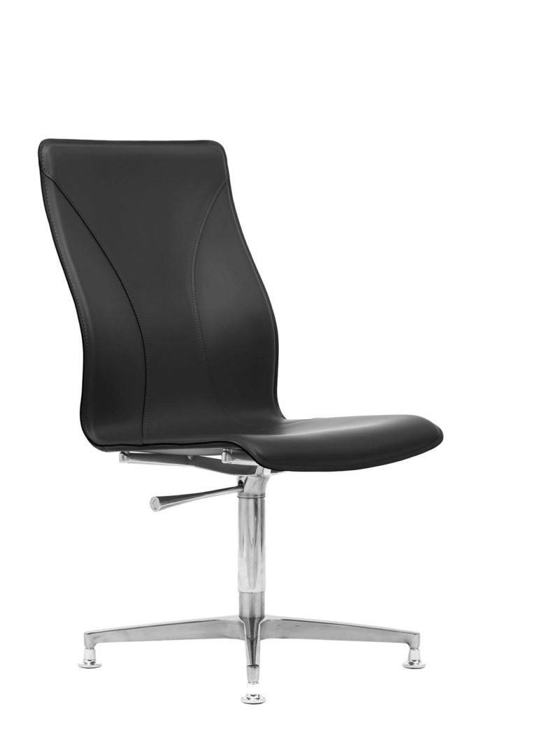 BB641.8 Chair - Black