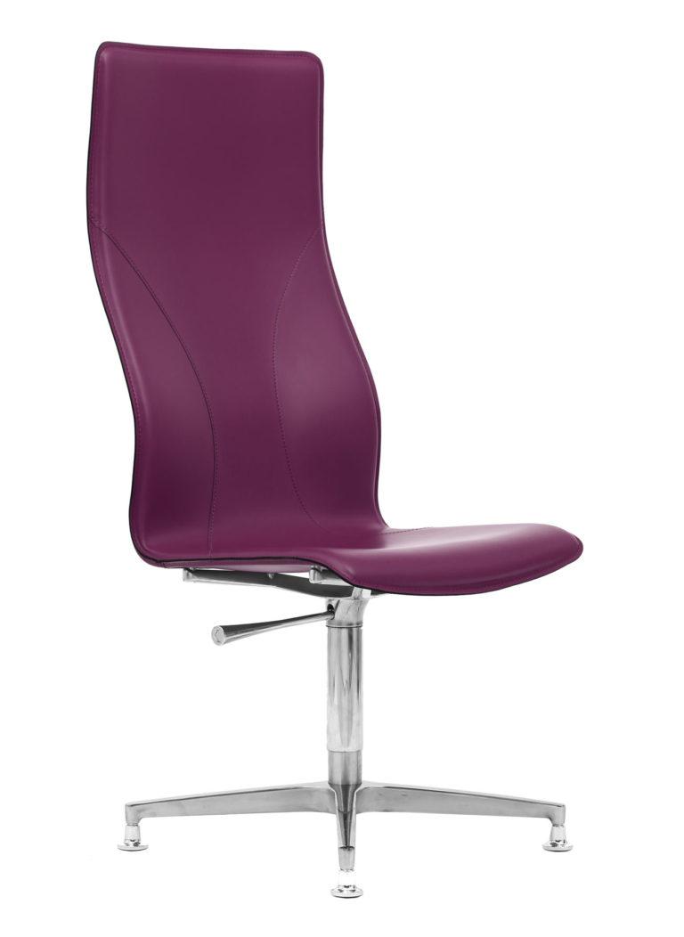 BB641.9 Chair - Amaranth