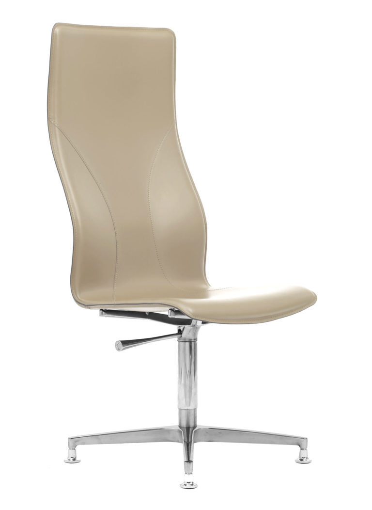BB641.9 Chair - Cream